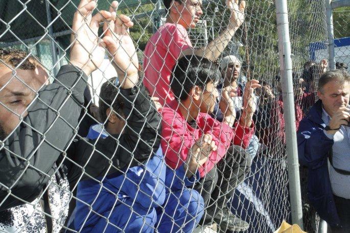 «Βουλιάζουν» από πρόσφυγες και μετανάστες τα νησιά του Β.Αιγαίου