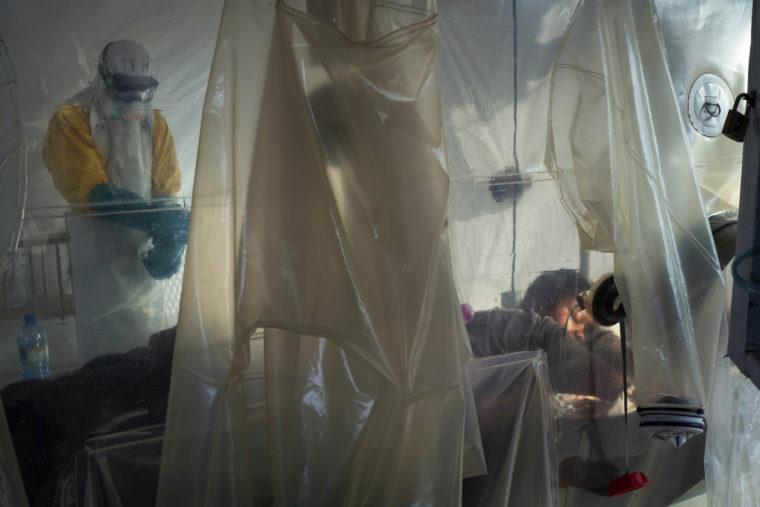 Πειραματικό φάρμακο της Regeneron του Δρ Γιανκόπουλου με ελπίδες για θεραπεία του Έμπολα
