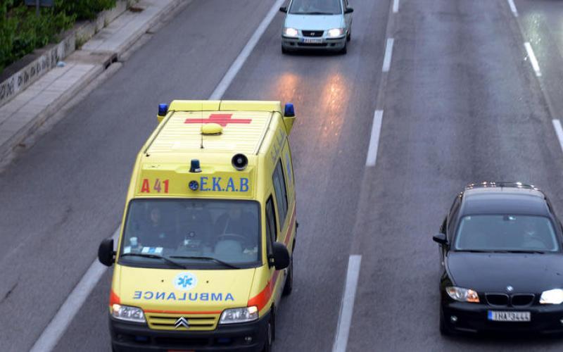 Θεσσαλονίκη: Νεκρός άνδρας σε πρασιά πολυκατοικίας