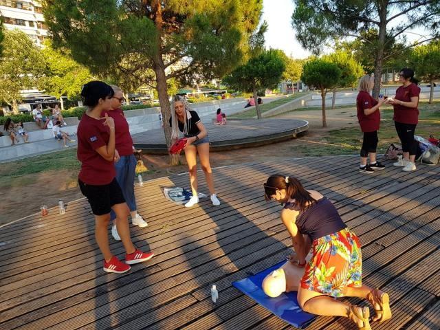 Greek Health Team: Σεμινάρια για πρώτες βοήθειες σε διάφορα μέρη