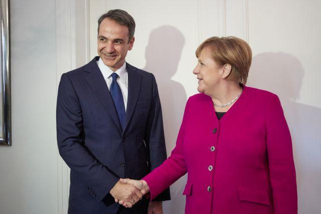 Συνάντηση Μέρκελ – Μητσοτάκη: Σε «ευρεία ανταλλαγή απόψεων» προσβλέπει το Βερολίνο