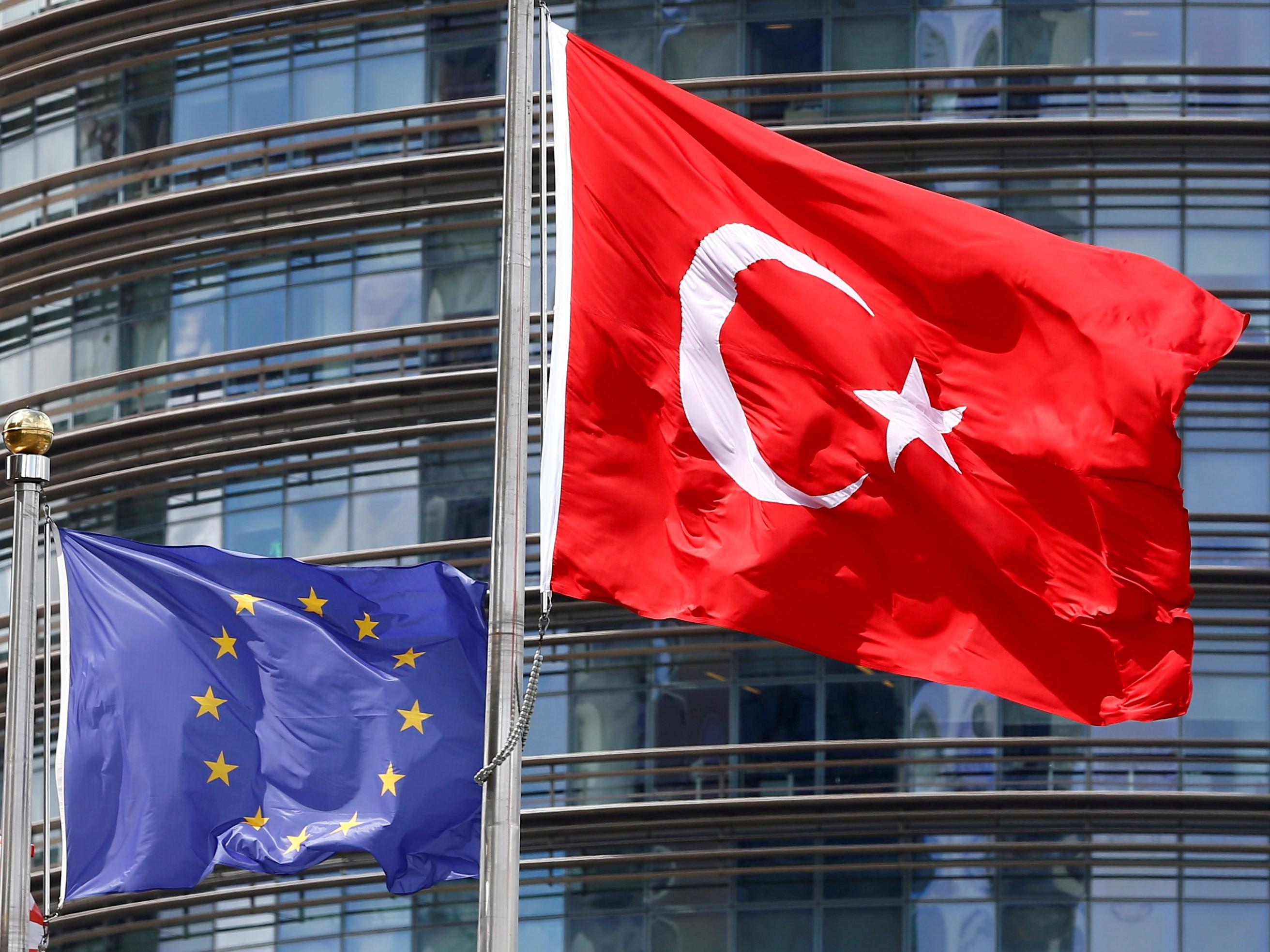 ΥΠΕΞ ΕΕ : Ζητούν κυρώσεις κατά της Τουρκίας για Συρία και παράνομες γεωτρήσεις