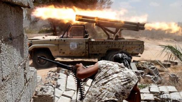 «Τινάχτηκε στον αέρα» η εκεχειρία στη Λιβύη – Συγκρούσεις και αποστολή χιλιάδων μαχητών στην Τρίπολη