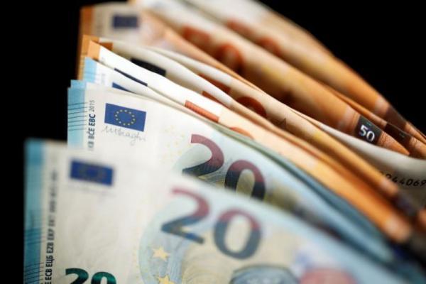 Τι περιμένει την ελληνική οικονομία την επόμενη διετία