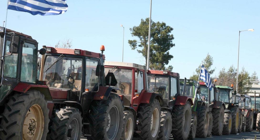 Κινητοποιήσεις αγροτών: «Ζεσταίνουν» τις μηχανές για νέα μπλόκα