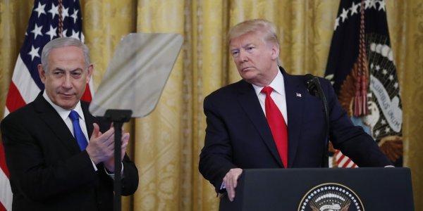 Ο Τραμπ ανακοινώνει το σχέδιό του για την επίτευξη ειρήνης στη Μέση Ανατολή