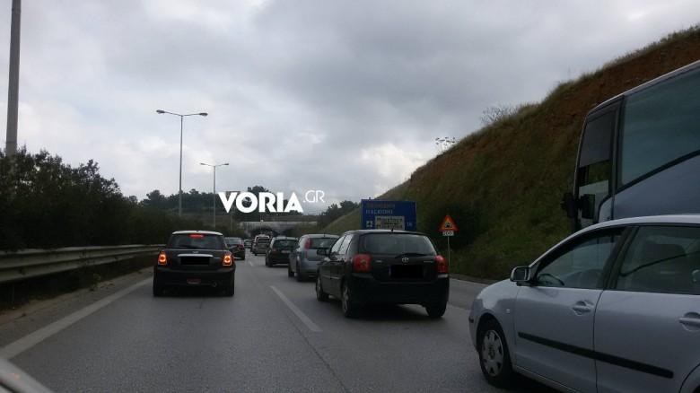 Θεσσαλονίκη: Σύγκρουση ΙΧ στον Περιφεριακό – Αυξημένη η κίνηση