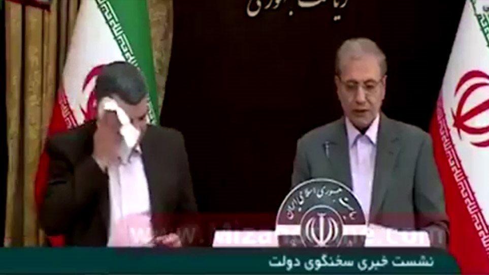 Κορωνοϊός: Ο υφυπουργός Υγείας του Ιράν έτοιμος να καταρρεύσει καθώς έχει προσβληθεί από τον ιό