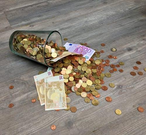 Κορονοϊός: Αποζημίωση 800 ευρώ σε εργαζόμενους που σταμάτησαν να δουλεύουν – Όλα τα μέτρα στήριξης