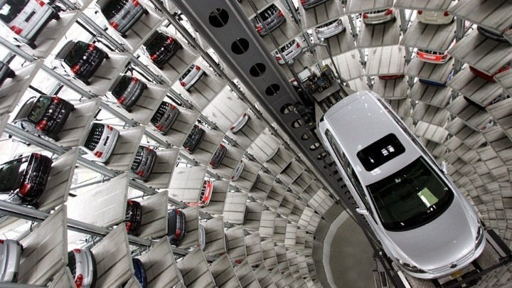 Οι αυτοκινητοβιομηχανίες ζητούν προσαρμογή στο χρονοδιάγραμμα των εκπομπών ρύπων