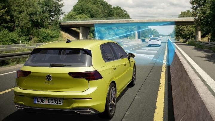 Το νέο Golf προσφέρει στον οδηγό χαρακτηριστικά αυτόνομης οδήγησης