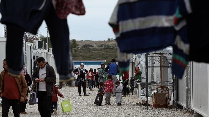 Περισσότεροι από 2.000 ευάλωτοι αιτούντες άσυλο στα νησιά θα μεταφερθούν σε άλλες δομές