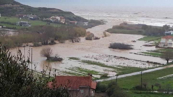 Ζημιές από πλημμύρες σε Εύβοια, Βοιωτία και Φθιώτιδα