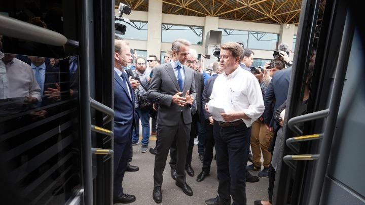 Επίσκεψη του πρωθυπουργού στον υπεραστικό σταθμό ΚΤΕΛ «Μακεδονία»