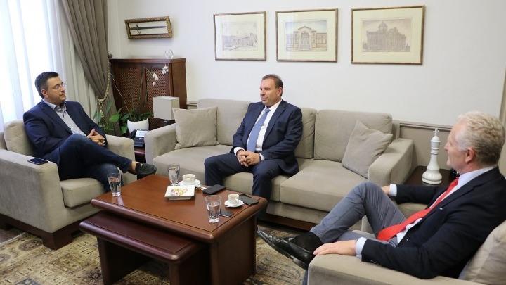 Η ανάπτυξη του λιμανιού στο επίκεντρο συνάντησης του Απ. Τζιτζικώστα με τη διοίκηση της ΟΛΘ ΑΕ