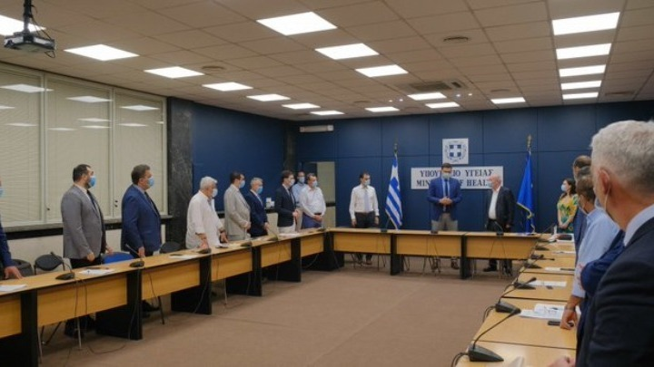 Παρουσία του Β. Κικίλια υπογράφηκαν οι συμβάσεις κτιριακής διαμόρφωσης για τη δημιουργία 174 νέων κλινών ΜΕΘ και ΜΑΦ
