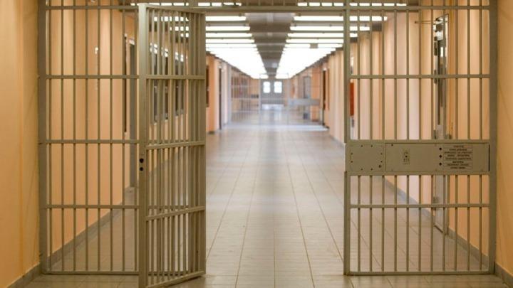 Στη φυλακή τρεις ομογενείς που λήστεψαν και απήγαγαν μετανάστη προσποιούμενοι τους αστυνομικούς