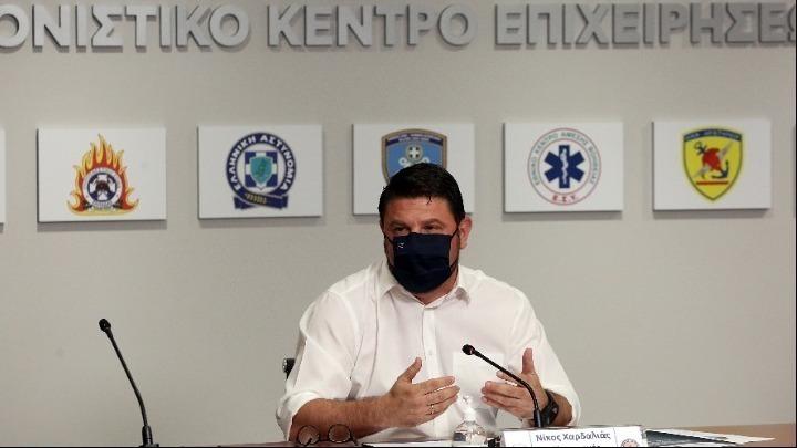 Κλειστά τα καταστήματα εστίασης και στην Αττική από τις 12 το βράδυ, μάσκα παντού, ειδικά μέτρα σε Πάρο και Αντίπαρο (βίντεο)