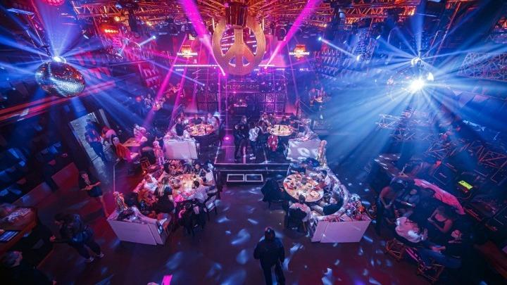Το clubbing των 90's επιστρέφει μέσα από το διαδίκτυο