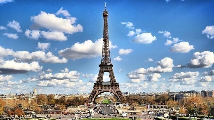 Οι Έλληνες του Παρισιού πειθαρχούν στα μέτρα για την πανδημία