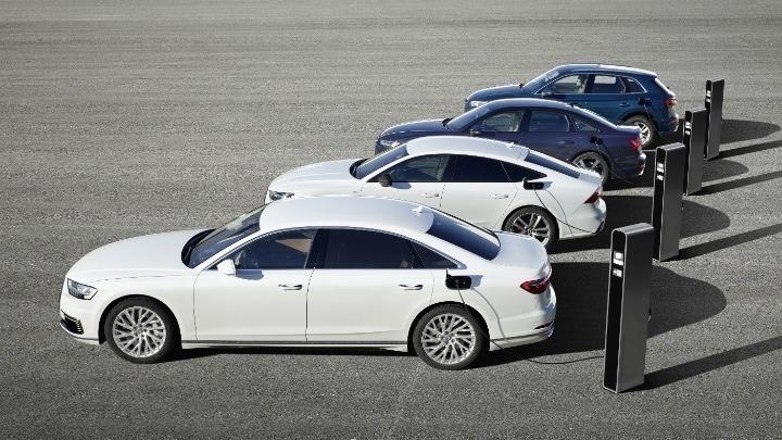 Περί τα 200.000 σημεία φόρτισης ηλεκτρικών οχημάτων είναι σήμερα διαθέσιμα στην ΕE