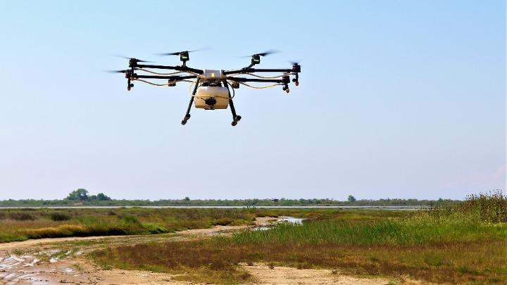Ψεκαστικά drones εναντίον κουνουπιών σε όλη την Ελλάδα
