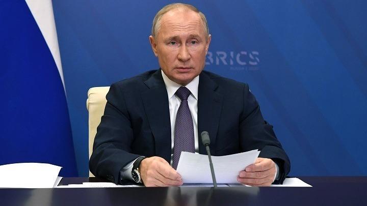 Ρωσία: Ο Πούτιν υπέγραψε νόμο που εγγυάται την ασυλία των πρώην προέδρων