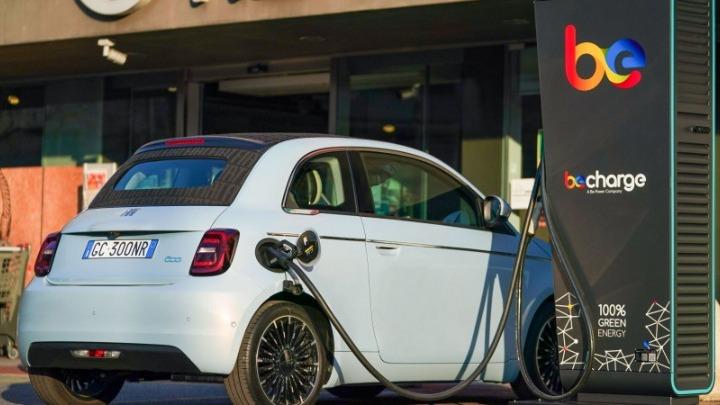 To ηλεκτρικό Fiat 500 θα μπορεί να συνδέεται με το ηλεκτρικό δίκτυο παρέχοντας ενέργεια από την μπαταρία του, έναντι αμοιβής για τον κάτοχο