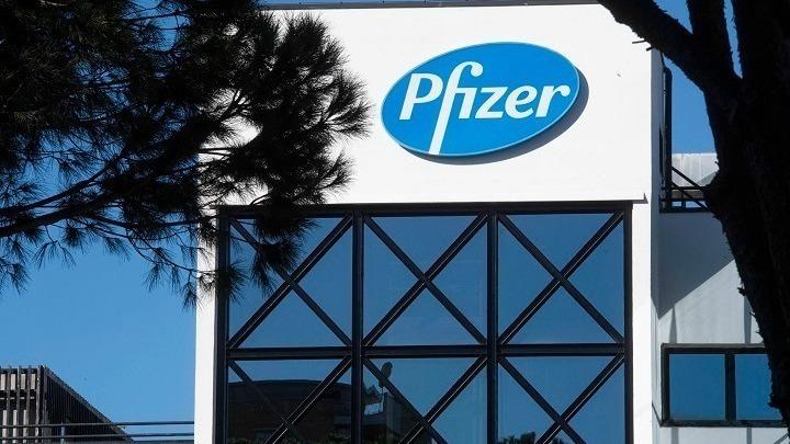 Η Pfizer προβλέπει περίπου 15 δισ. δολάρια σε πωλήσεις το 2021 από το εμβόλιο