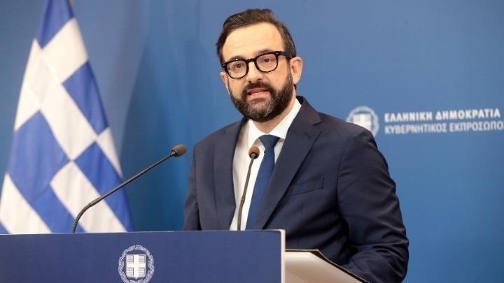 Κυβ.εκπρόσωπος για την επίθεση στο γραφείο του Λ. Αυγενάκη: «Η κυβέρνηση ούτε τρομοκρατείται, ούτε εκβιάζεται»