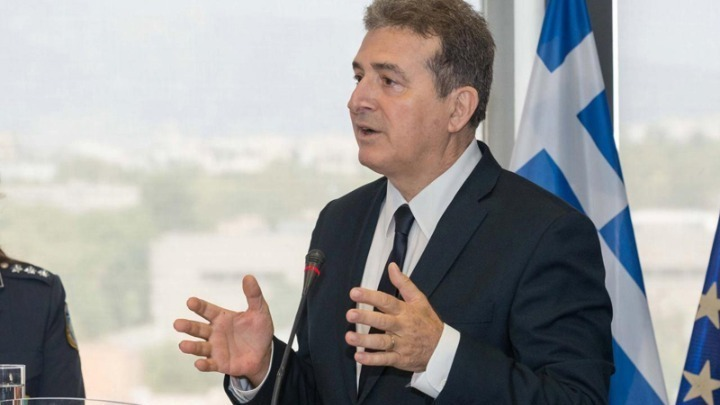 «Ελάτε να συνεργαστούμε», το μήνυμα του υπουργού Προστασίας του Πολίτη, προς τους επιχειρηματίες