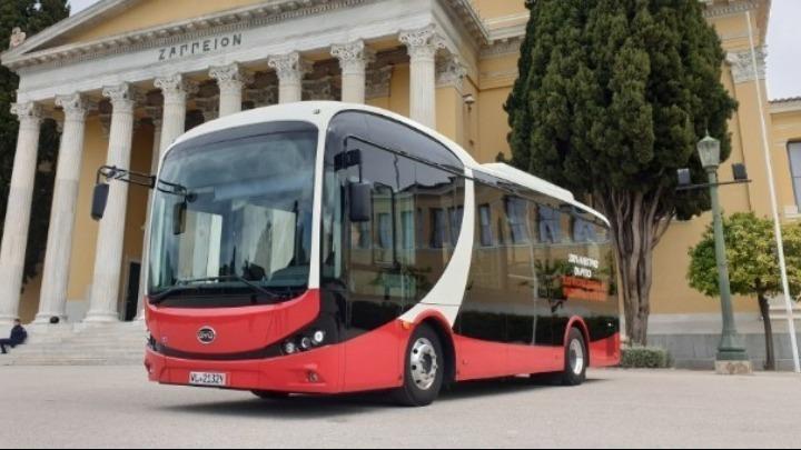 Αλ. Σδούκου για ηλεκτροκίνηση: υποδομές φόρτισης, ηλεκτρικά λεωφορεία σε όλες τις πόλεις