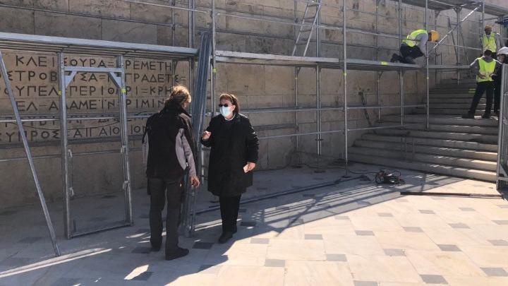 ΥΠΠΟΑ: Εργασίες καθαρισμού στο μνημείο του Άγνωστου Στρατιώτη ενόψει του εορτασμού για τα 200 χρόνια από την Ελληνική Επανάσταση