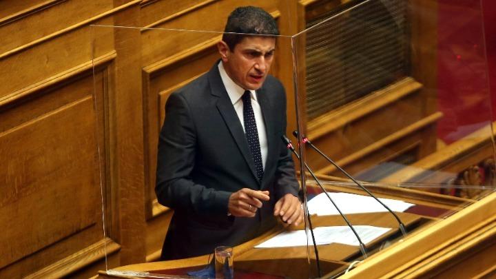 Αυγενάκης στη Βουλή: «Δεν υπάρχει φωτογραφική διάταξη για τον Ζαγοράκη»