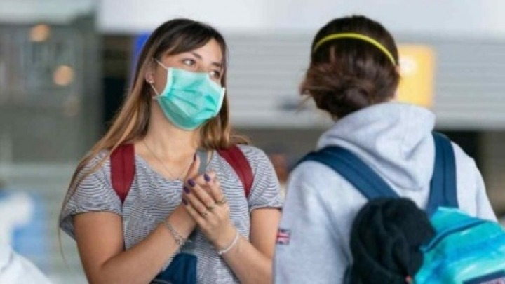 Η χρήση μάσκας κατά την έντονη άσκηση είναι ασφαλής για τους υγιείς ανθρώπους