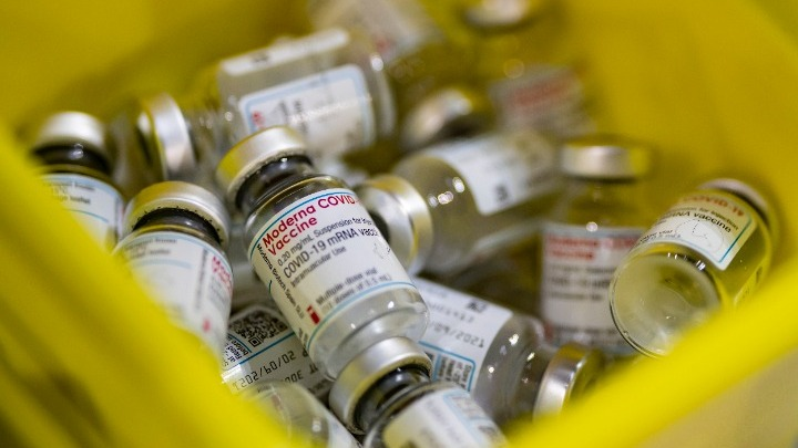 ΕΕ: Μέχρι τέλος Μαρτίου 107 εκατ. δόσεις εμβολίων, τα 30 εκατ. από την AstraZeneca