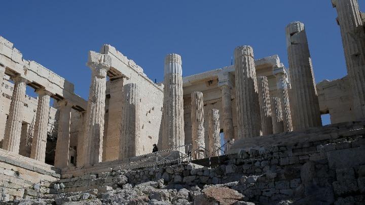 ΥΠΠΟΑ: Το ωράριο λειτουργίας των αρχαιολογικών χώρων κατά τις ημέρες του Πάσχα και του εορτασμού της Πρωτομαγιάς