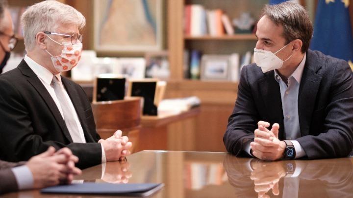 Συνάντηση του Κυριάκου Μητσοτάκη με τον Ισραηλινό καθηγητή ιατρικής Ναντίρ Αρμπέρ