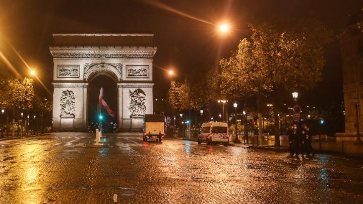 Γαλλία: Κανένας υπουργός στα παράνομα δείπνα, διαβεβαιώνει ο κυβερνητικός εκπρόσωπος