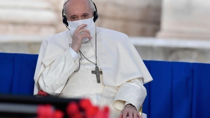 Έκκληση του πάπα στους ηγέτες του κόσμου για ελάφρυνση των βαρών των φτωχών χωρών, ισότιμη πρόσβαση στα εμβόλια