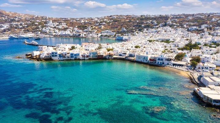 Από τα τέλη Ιουνίου οι αυξημένες ροές τουριστών στην Ελλάδα – Μέχρι τώρα έχει ανοίξει το 10% των ξενοδοχείων