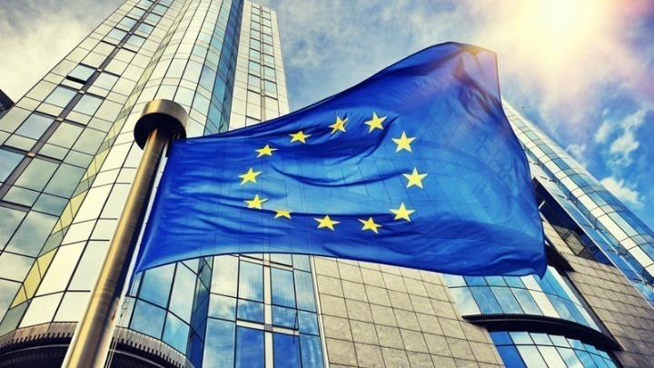 Η Κομισιόν ξεκινά την έκδοση ομολόγων για τη χρηματοδότηση του Ταμείου Ανάκαμψης