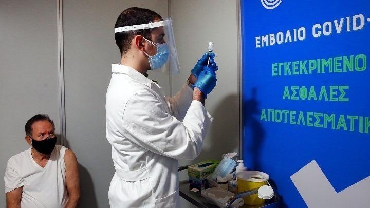 Έρευνα: Το 68% των Ελλήνων δηλώνουν απολύτως θετικοί στο εμβόλιο κατά του κορονοϊού