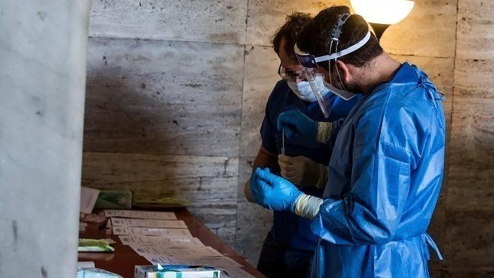 Ιταλία: Αυξάνονται οι εισαγωγές σε νοσοκομεία και ΜΕΘ λόγω κορονοϊού – Νέοι περιορισμοί μέχρι τον Δεκαπενταύγουστο;