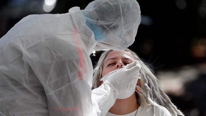 Νέες οδηγίες από το CDC για τη διενέργεια διαγνωστικών ελέγχων για COVID-19 στους πλήρως εμβολιασμένους