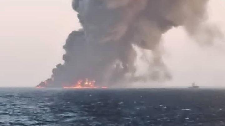 Επίθεση σε πλοίο στη θάλασσα του Ομάν: Η Τεχεράνη προειδοποιεί ότι θα απαντήσει αν τεθεί στο στόχαστρο