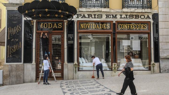 Η Πορτογαλία χαλαρώνει τους περιορισμούς, καθώς το ποσοστό εμβολιασμών ανήλθε σε 70%
