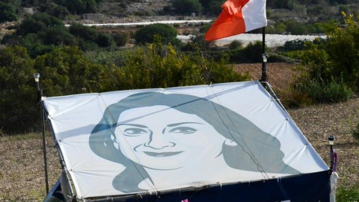 Οι Βρυξέλλες θέλουν να ενισχύσουν την προστασία των δημοσιογράφων από επιθέσεις