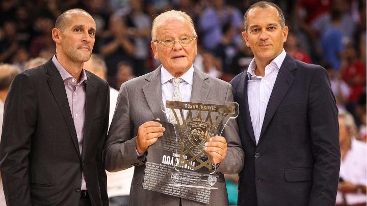 Το αντίο των προέδρων του Ολυμπιακού στον Ντούσαν Ίβκοβιτς