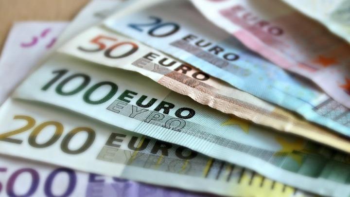 Πιστώθηκαν 7,5 εκατ. ευρώ σε 15.805 ιδιοκτήτες ακινήτων για τα μειωμένα μισθώματα Ιουλίου και σε 359 δικαιούχους της Κρατικής Αρωγής